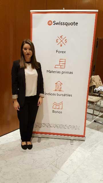Imagen de promotora en Vigo